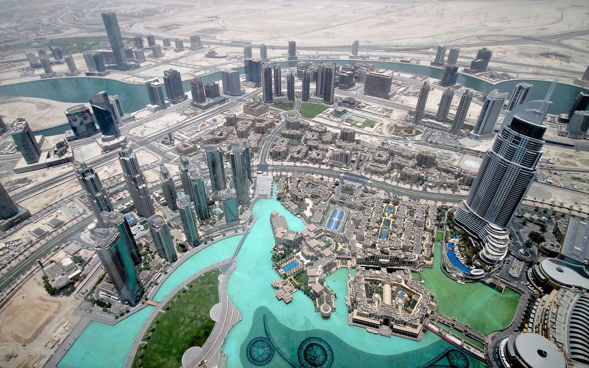4K UHD 3840x2160 - Dubai Bird's Eye View
