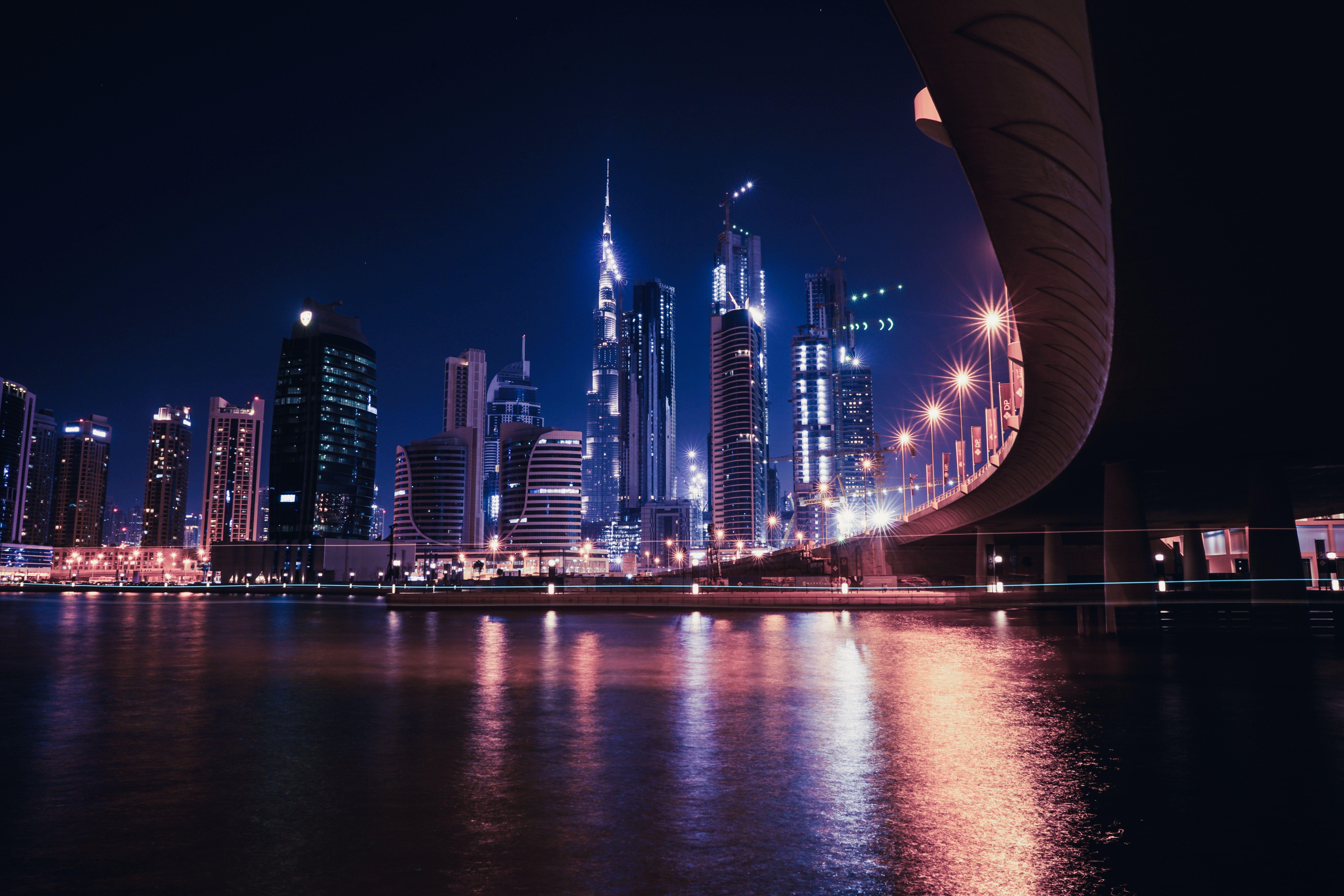 8K Dubai Highway Wallpaper