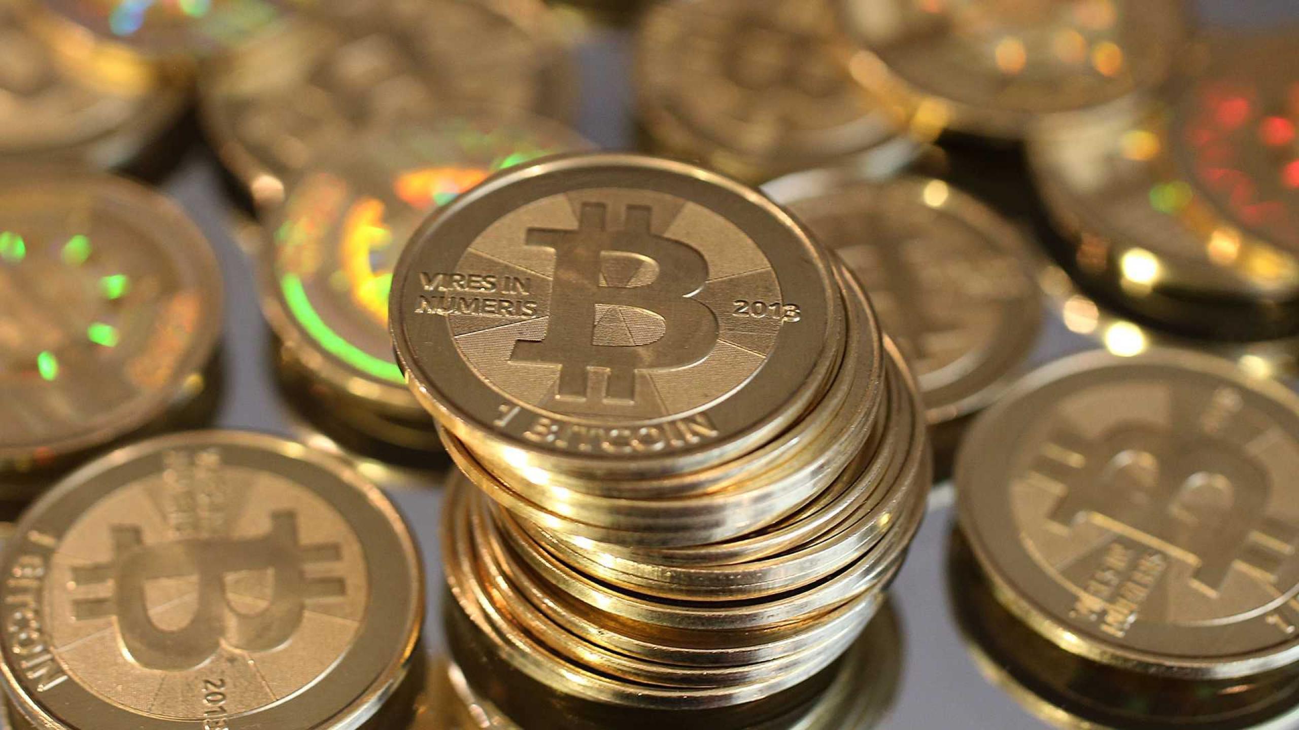 Bitcoin Coins IRL 2560x1440