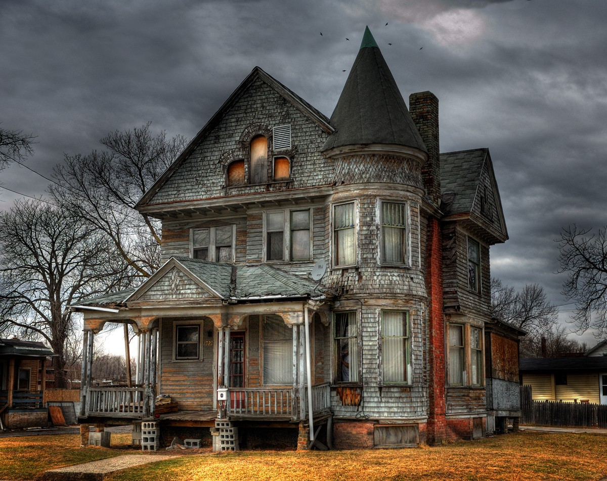 Haunted House HD 1200x952 green,black,pink,brown Photos and Wallpapers