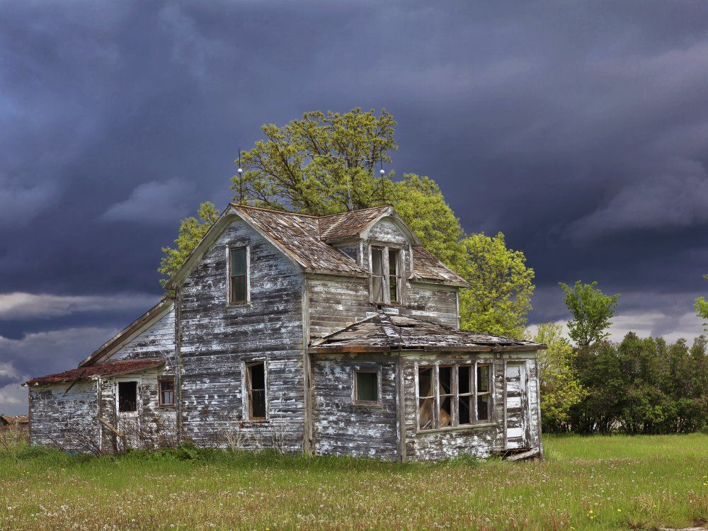 Haunted House HD purple,green,black,pink 1000x750 Photos and Wallpapers